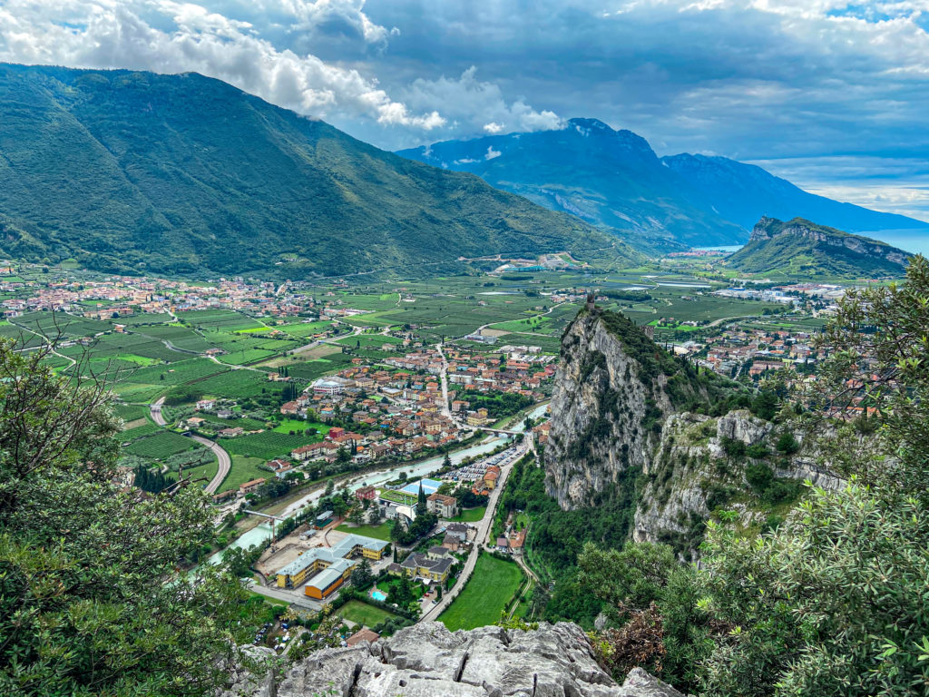 Widok na jezioro Garda ze szczytu via ferraty Colodri